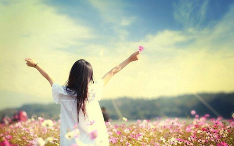 человек становится красивей если рядом видит красоту чьи стихи
