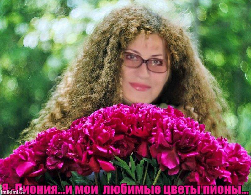 nayti-samoy-luchshey-devushki-u-kolgotkah-foto-nabuhshie-sosochki